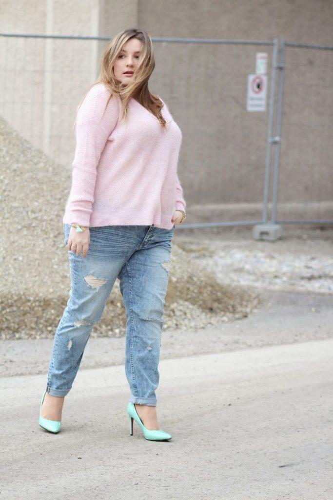 destroeyed Jeans