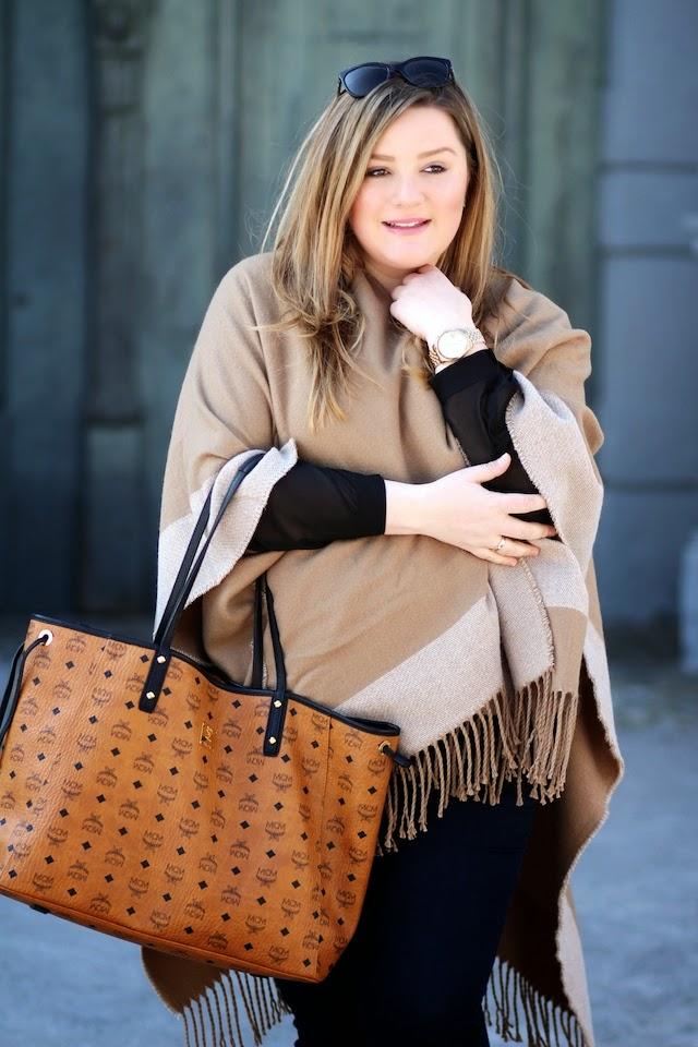 Plus Size Theodora Flipper mit MCM Handtasche