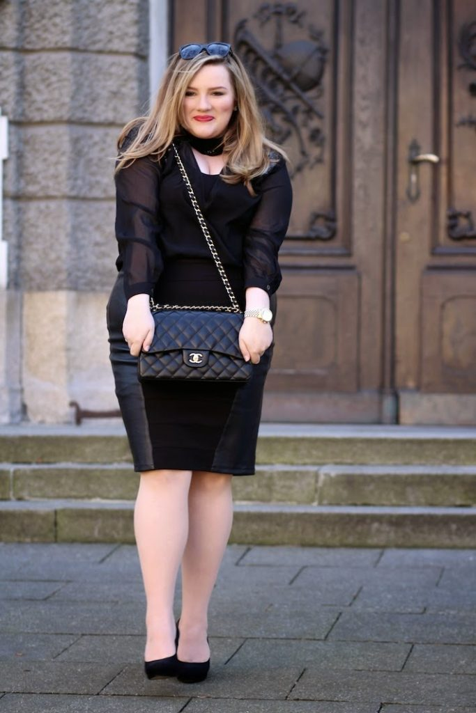 Chanel TAsche Outfit Plus Size
