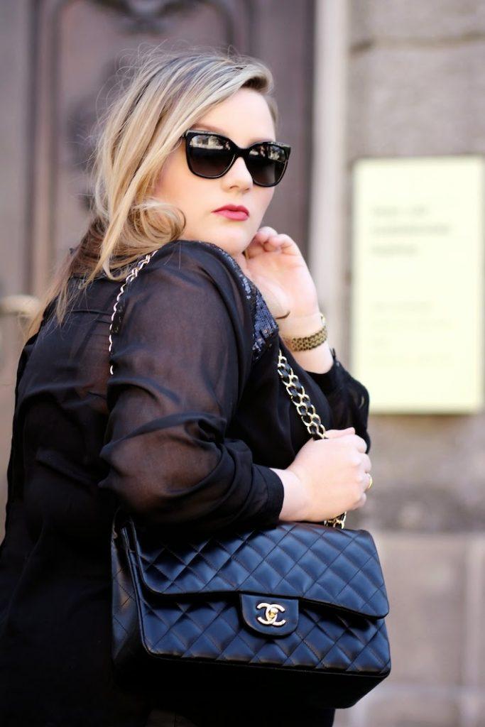Outfit mit Chanel Tasche und Sonnenbrille