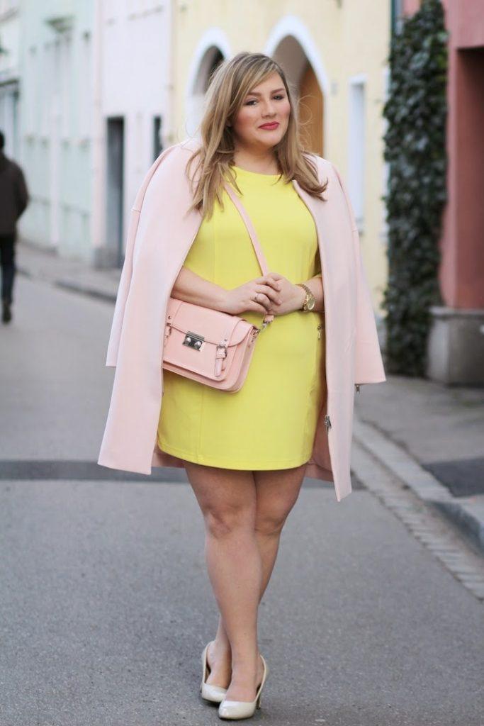 outfit rosa tasche und mantel