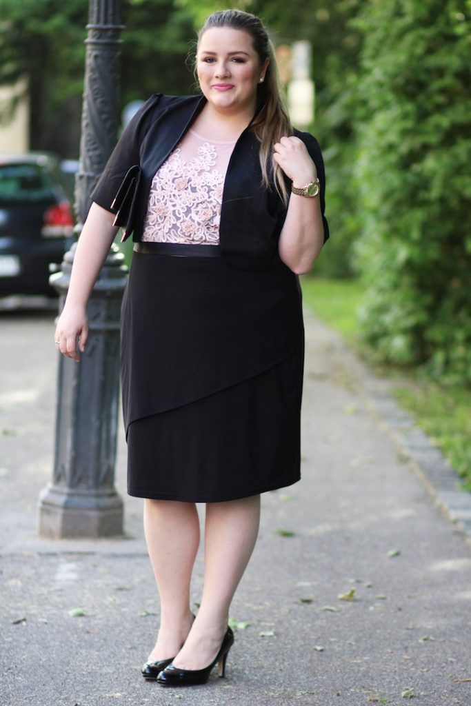 Plus size Outfit Kleid rosa schwarz