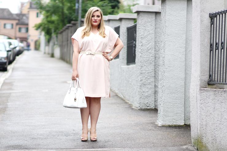 rosa Kleid Zizzi Plus Size