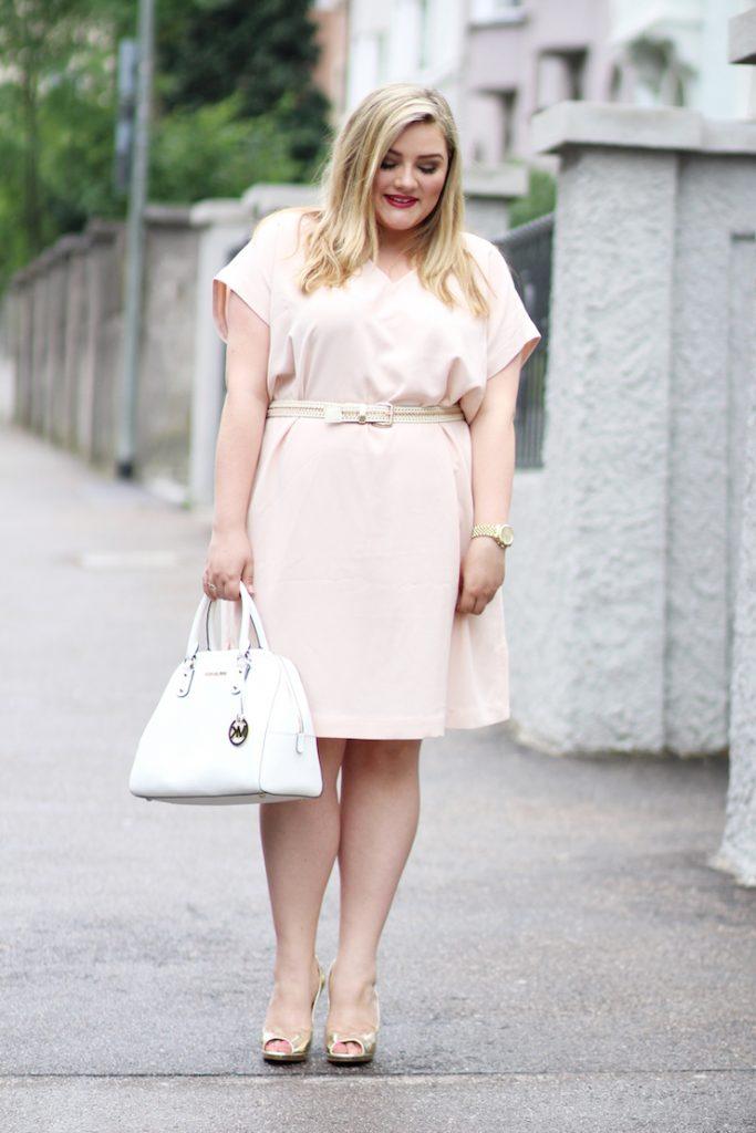 rosa Kleid Zizzi Plus Size Blogger Germany