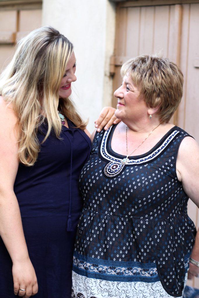 Mutter und Tochter Post