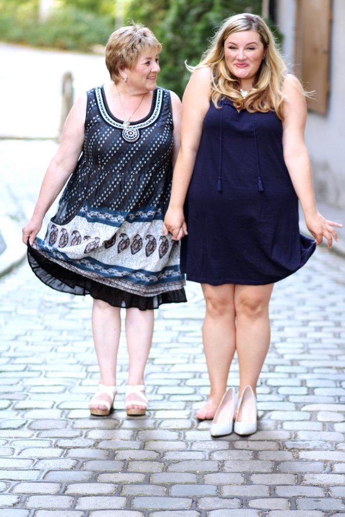 Mutter und Tochter Plus SIze