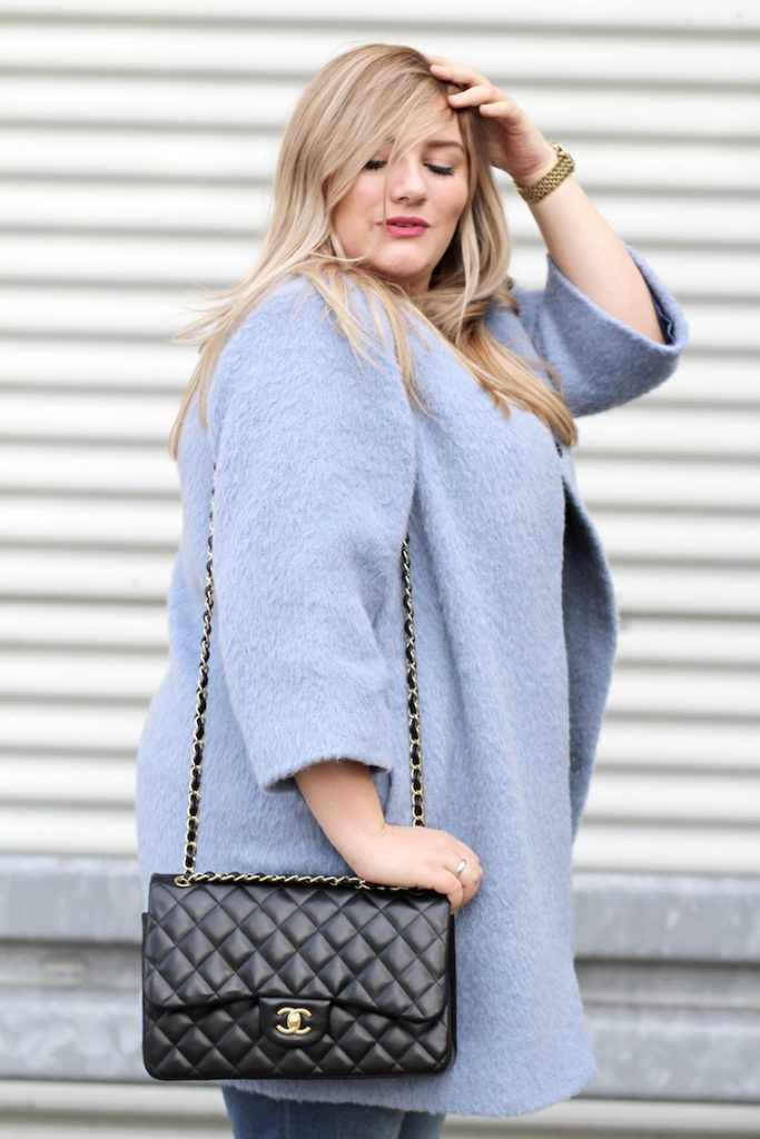 plus size blog outfit blauer mantel