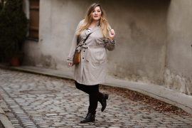 Curvy Outfit Trenchcoat